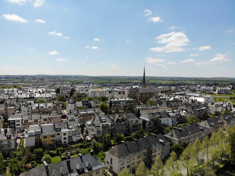 Hermosa vista desde arriba, Luxemburgo La capital del reino Luxemburgo Pequeños país europeo con gran culrure y excepcional fotos de archivo libres de regalías