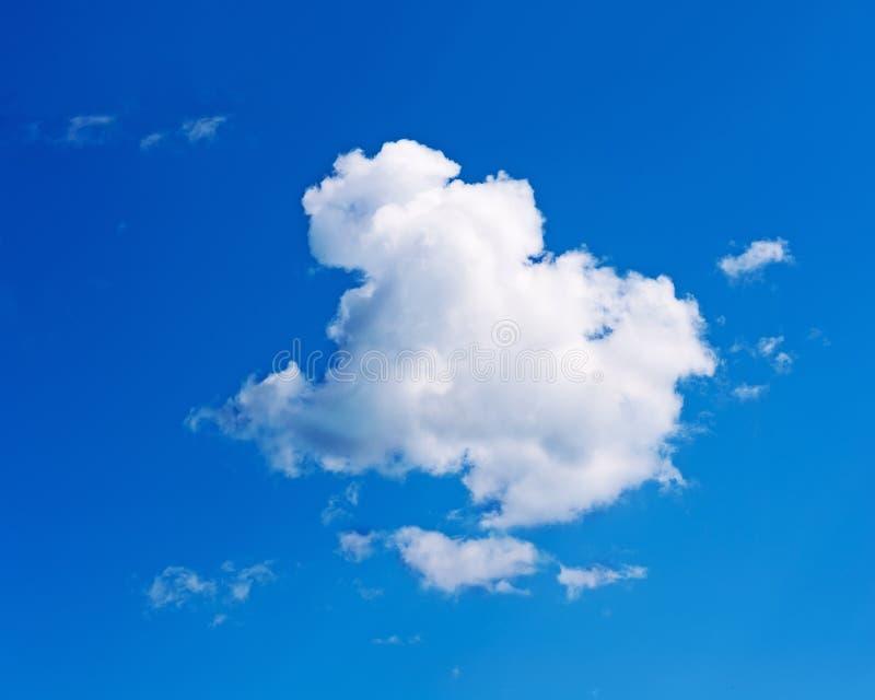 Hermosa vista en el cielo azul y las nubes foto de archivo libre de regalías