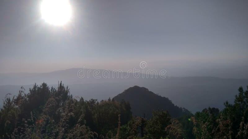 Hermosa vista en la montaña fotografía de archivo libre de regalías