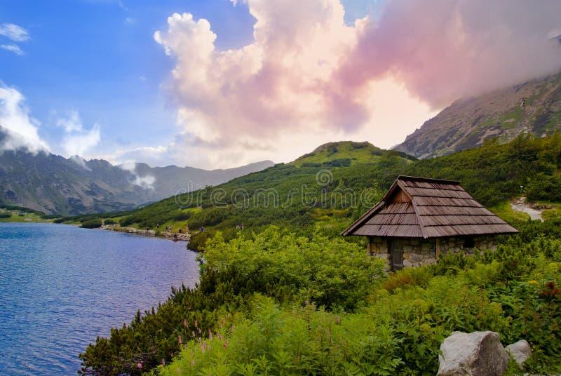 Hermosa vista a partir de cinco charcas polacas, Tatra imagen de archivo