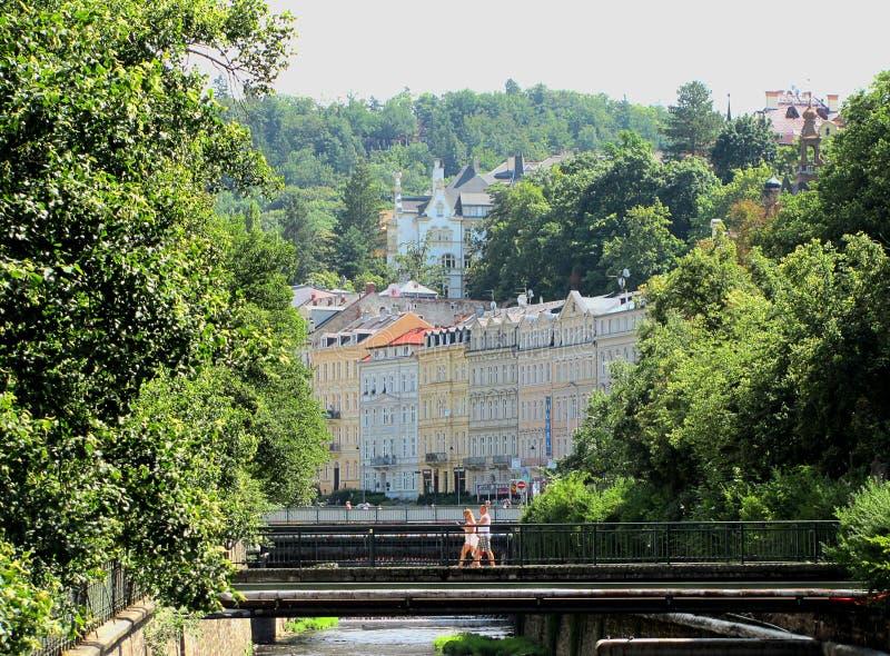Hermosos edificios en Karlovy Vary, República Checa fotografía de archivo