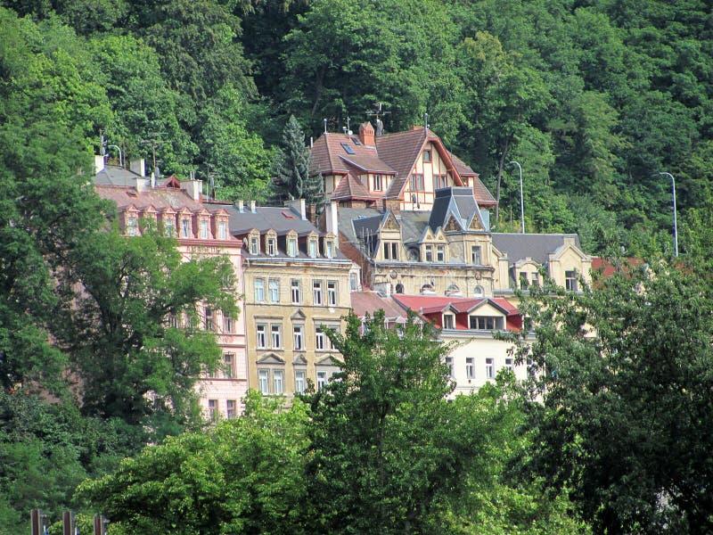 Hermosos edificios en Karlovy Vary, República Checa fotografía de archivo libre de regalías