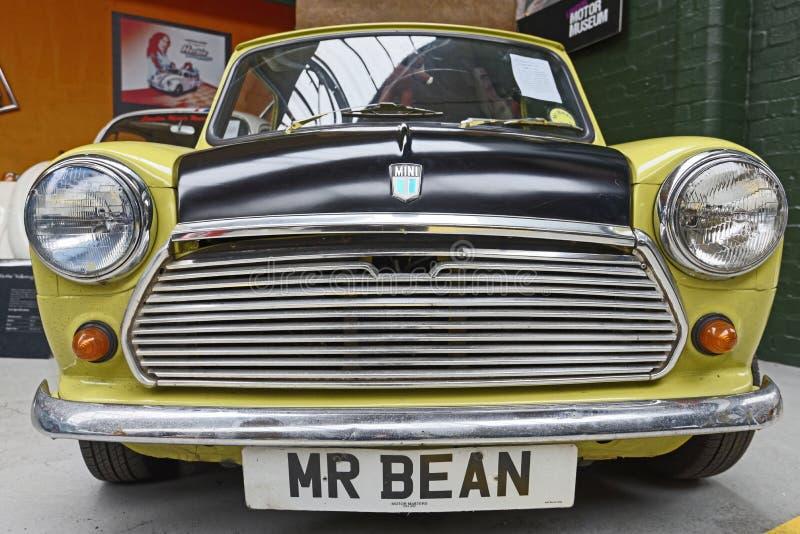 Herr Bean Austin Mini lizenzfreie stockbilder