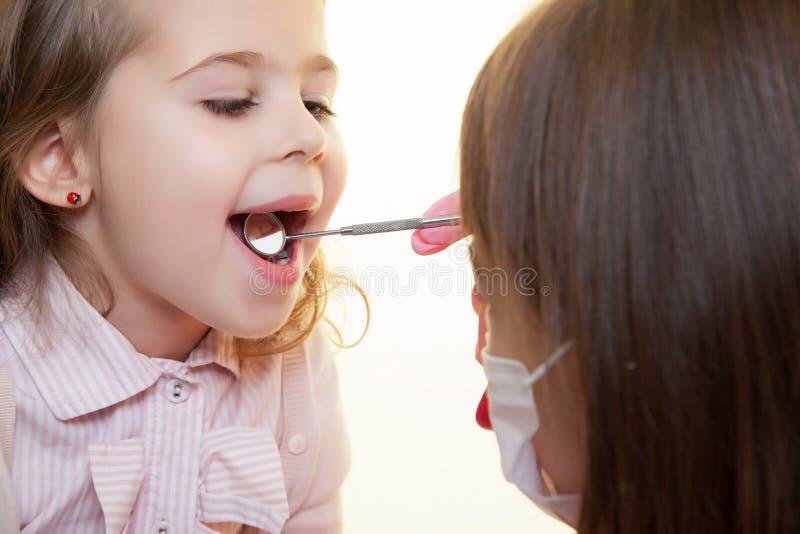 Herramienta del dentista fotos de archivo