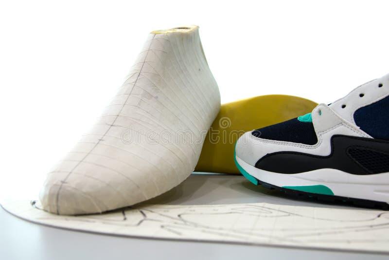 Herramienta y equipo de diseño del fabricante de zapato fotos de archivo libres de regalías