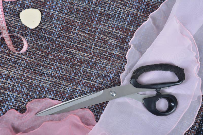 Herramientas de costura y fuentes de costura, accesorios que crean una nueva moda fotos de archivo libres de regalías