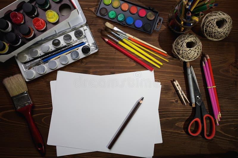 Herramientas de la pintura imagenes de archivo