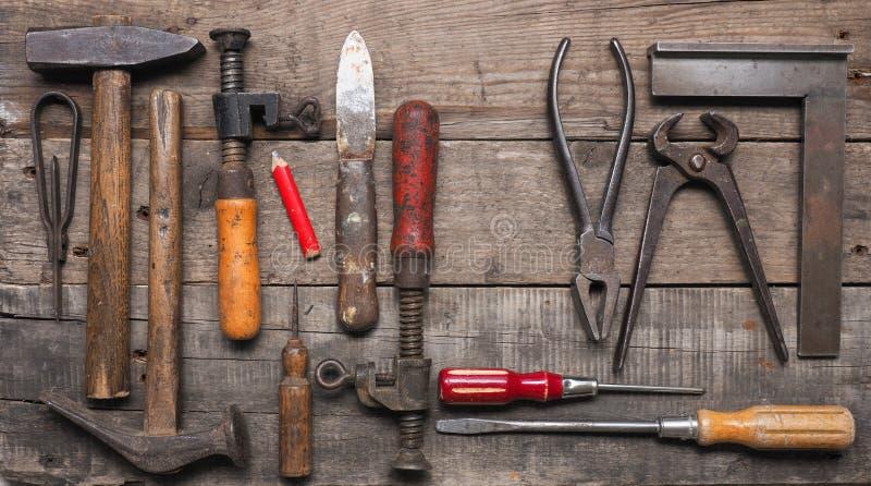 Herramientas de madera usadas viejas del trabajador foto de archivo libre de regalías