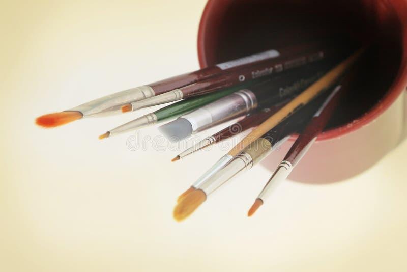Herramientas del arte - cepillos imágenes de archivo libres de regalías