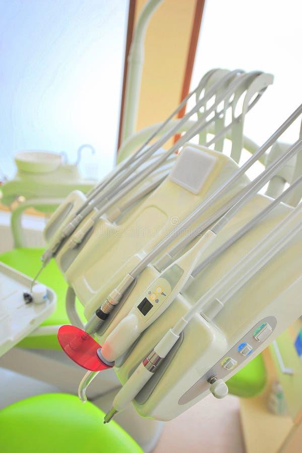 Herramientas del cuidado dental (oficina de los doctores) imagen de archivo libre de regalías
