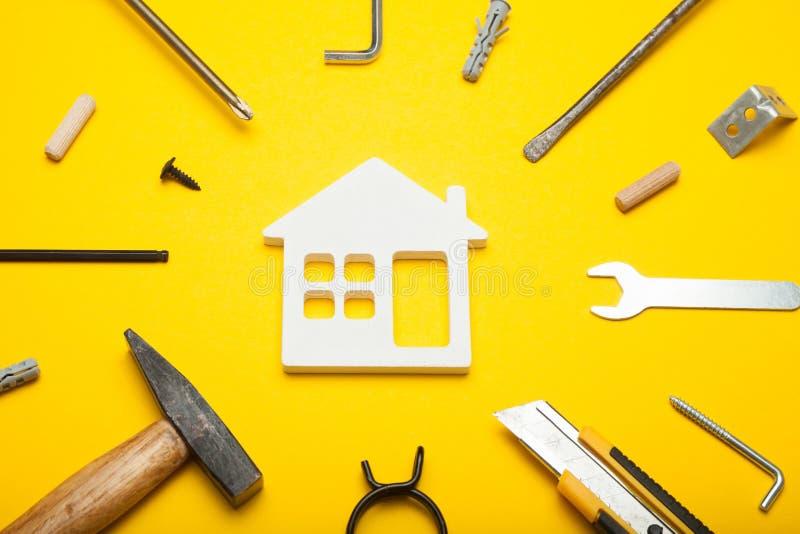 Herramientas del servicio de la manitas, construcción de la casa y reparación fotografía de archivo libre de regalías