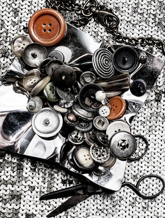 Herramientas para coser estilo monocromático fotos de archivo libres de regalías