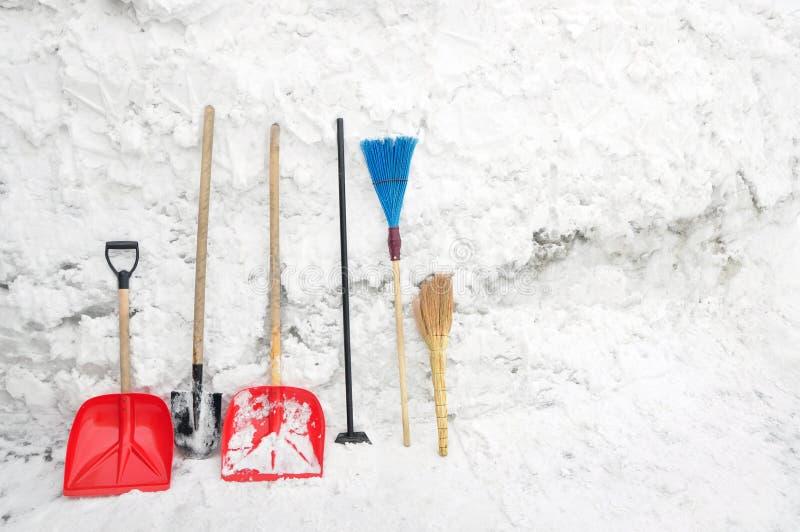 Herramientas para despejar nieve fotos de archivo