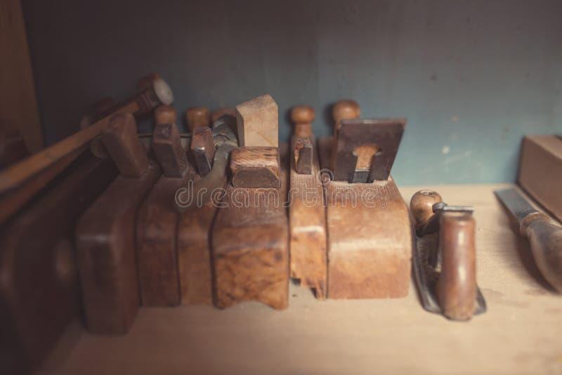 Herramientas viejas de la carpintería fotos de archivo