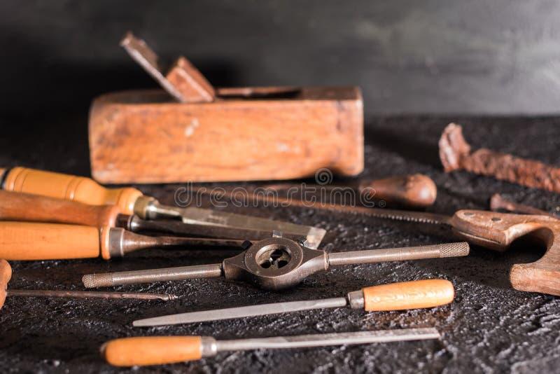 Herramientas viejas de la carpinter?a foto de archivo