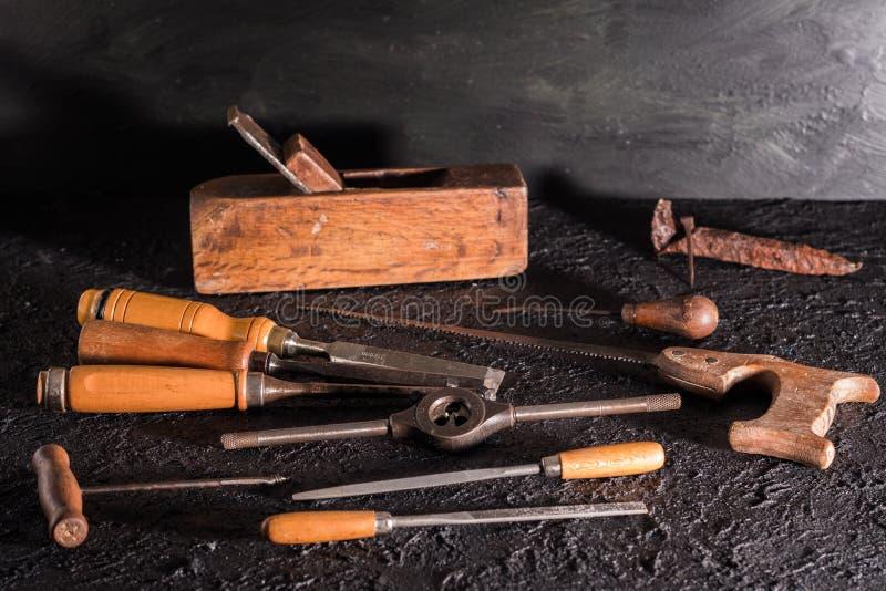 Herramientas viejas de la carpinter?a imagen de archivo