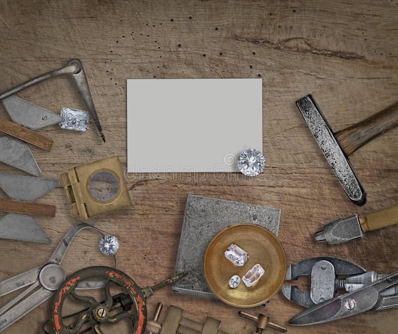Herramientas y diamantes del joyero del vintage fotografía de archivo libre de regalías