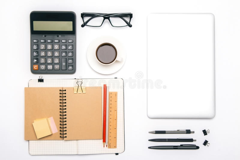 Herramientas y tableta de la oficina foto de archivo libre de regalías