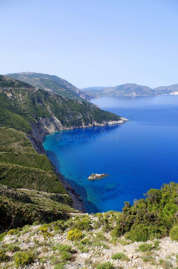 Herrlicher Ausblick auf Bucht in Kefalonia, Griechenland lizenzfreie stockfotos