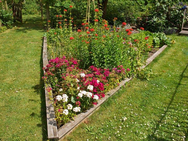 Herrliches Blumenbeet lizenzfreie stockfotografie