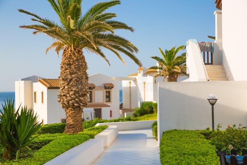 Hersonissos, Крит, гостиница Aldemar Knossos 5 звезд королевская с планом королевских вилл, surr деревн-стиля стоковая фотография rf