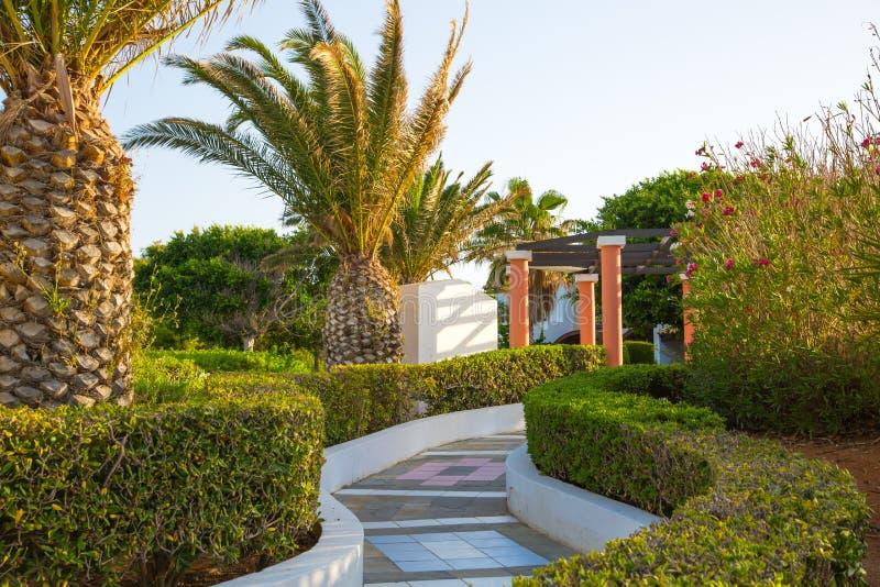 Hersonissos, Крит, гостиница Aldemar Knossos 5 звезд королевская с планом королевских вилл, surr деревн-стиля стоковое изображение rf