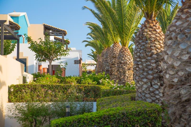 Hersonissos, Крит, гостиница Aldemar Knossos 5 звезд королевская с планом королевских вилл, surr деревн-стиля стоковая фотография