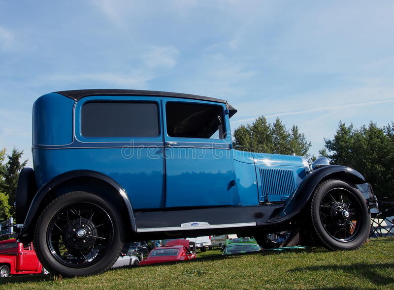 Hersteld Antiek Blauw Ford Car royalty-vrije stock afbeeldingen
