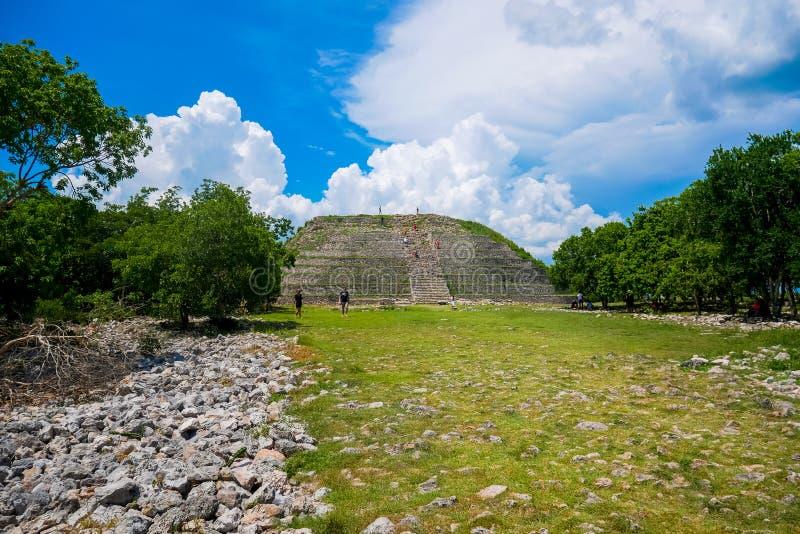 Herstelde Maya Pyramid stock afbeelding