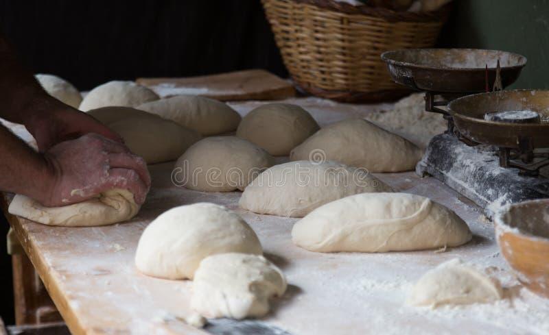 Herstellung des Brotes stockfotos