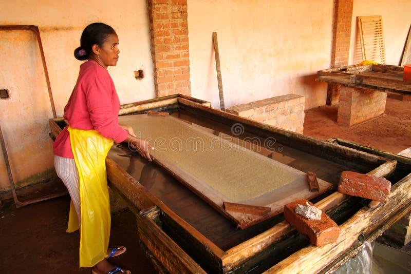 Herstellung des Papiers stockfotos