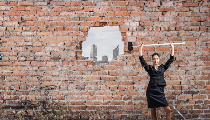 Herstellung Ihrer Weise im Geschäft Gemischte Medien stockfotos