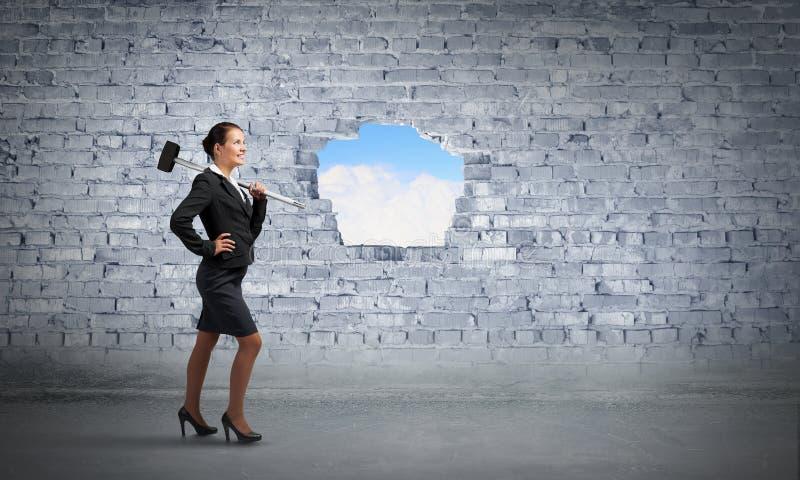 Herstellung Ihrer Weise im Geschäft Gemischte Medien stockbilder