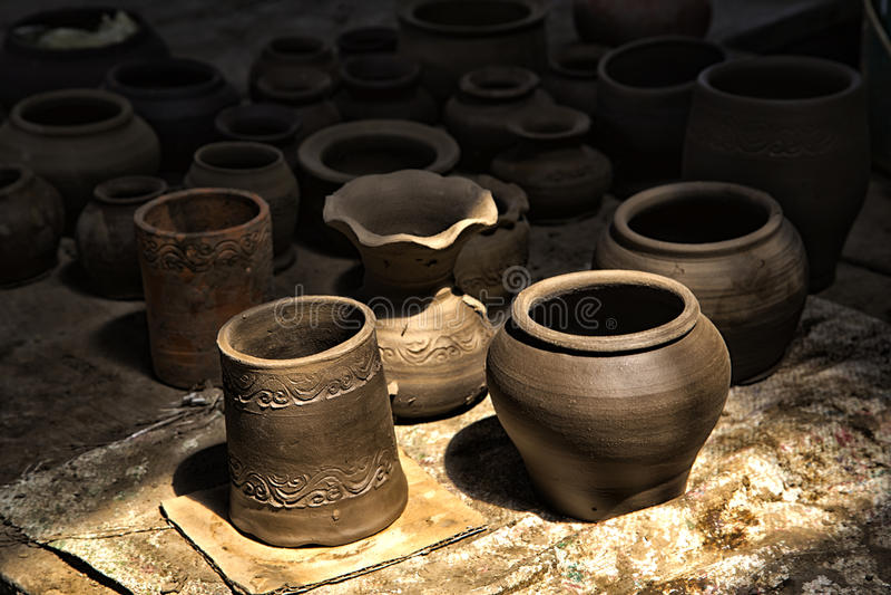 Herstellung von Tonwaren auf dem lokalen Gebiet, Ko-kret, Nonthaburi stockbilder