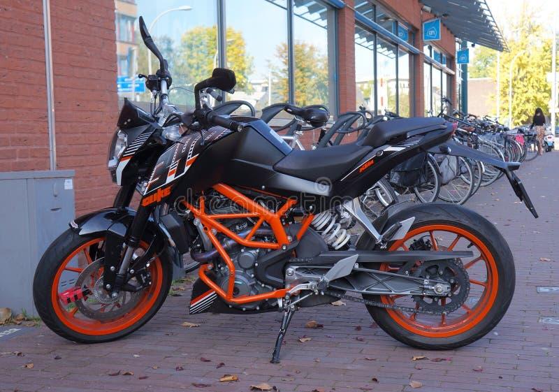 Hertog 390 KTM-motorfiets stock afbeeldingen