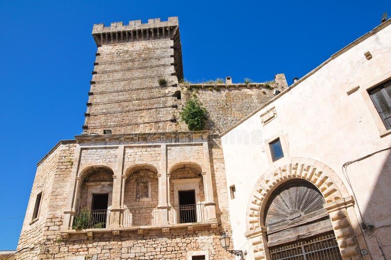 Hertogelijk kasteel. Ceglie Messapica. Puglia. Italië. stock afbeeldingen