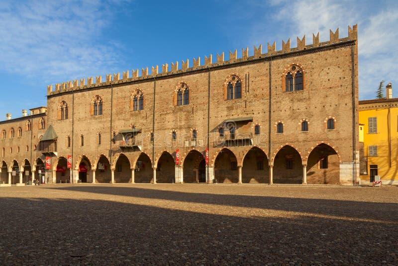 Hertogelijk paleis in de stad van mantua royalty-vrije stock afbeelding