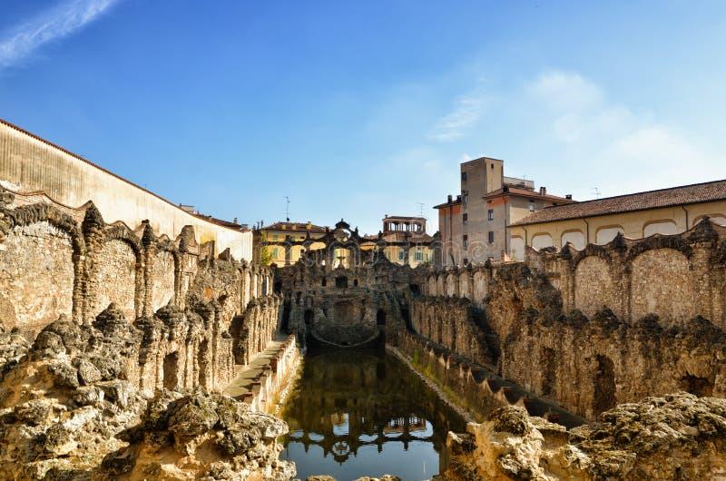Hertogelijk paleis van Sassuolo, Italië, oude de zomerwoonplaats van Este-familie, fontein stock afbeelding