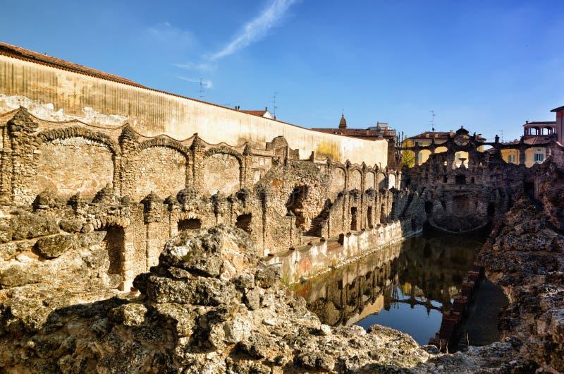 Hertogelijk paleis van Sassuolo, Italië, oude de zomerwoonplaats van Este-familie, fontein stock foto's
