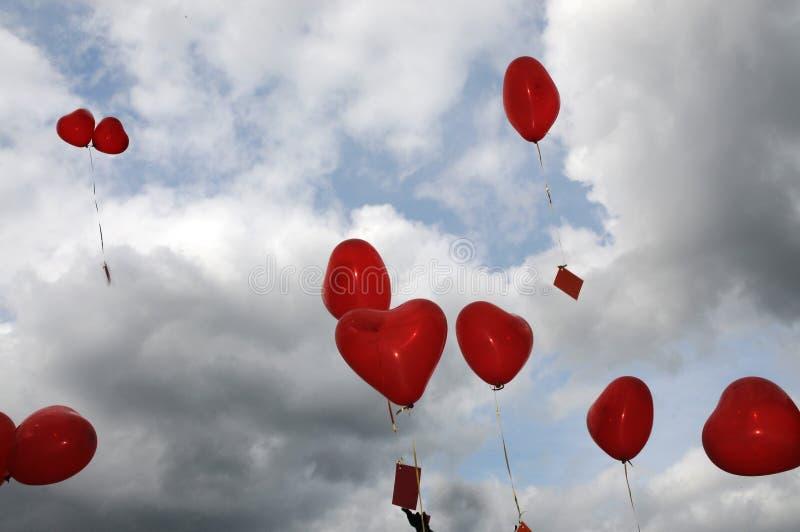 Herz-Ballone lizenzfreies stockbild