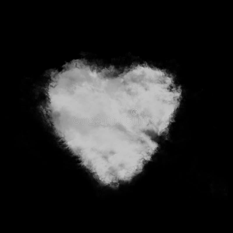Herz geformte flaumige Wolke lokalisiert auf Schwarzem lizenzfreie stockbilder