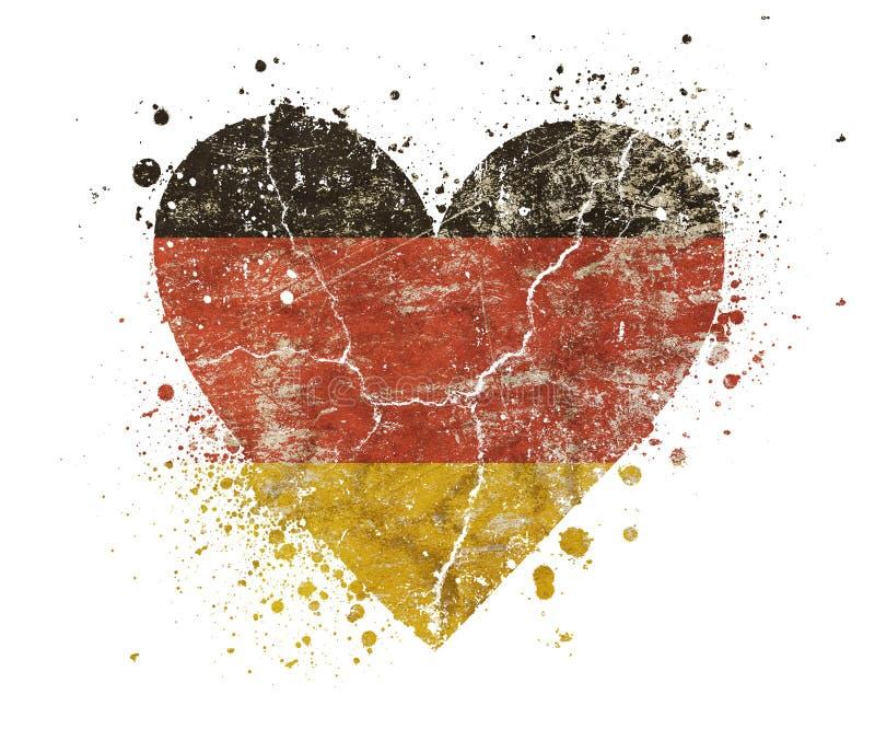 Herz geformte Schmutzweinlese verblaßte deutsche Flagge stockfotos
