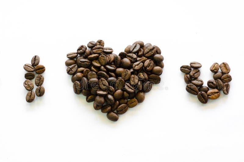 Herz gemacht von den Kaffeebohnen, Liebeskaffee, Kaffee geliebt stockfoto