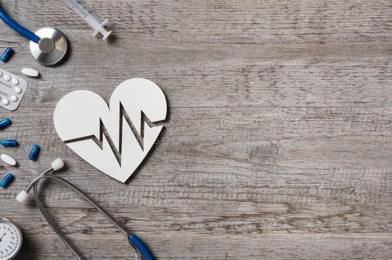 Herz- und Kardiogrammzeichen stockbilder