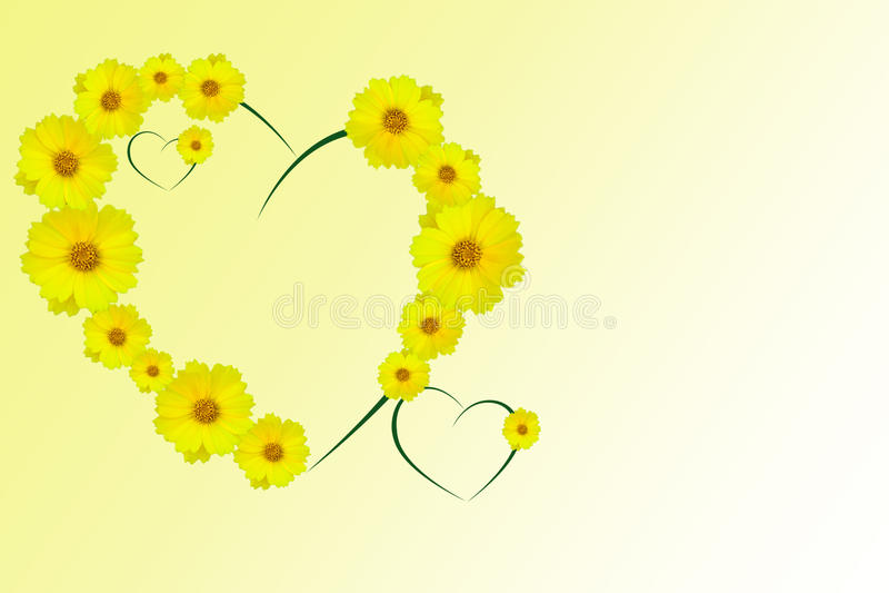 Herz von gelben Gänseblümchen lizenzfreie stockfotografie