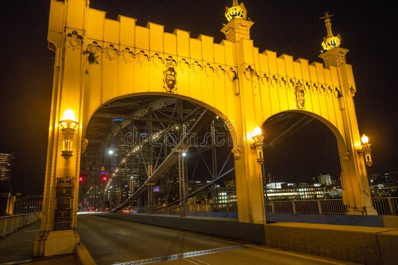 Herzenswärme der Smithfield-Straßen-Brücke in Pittsburgh, Pennsylvania stockfotos