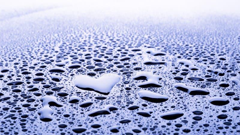 Herzwassertropfen lizenzfreies stockbild