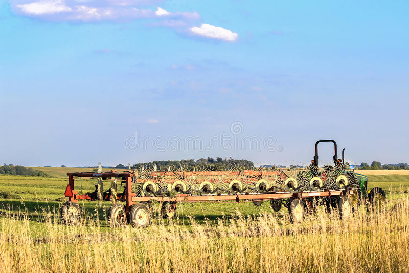 Download Hesston Hay Rake imagen de archivo editorial. Imagen de industria - 44850574