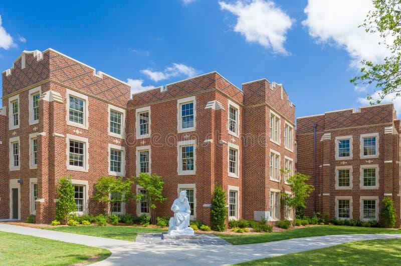 Hester och Robertson Halls på det Oklahoma universitetet arkivfoto