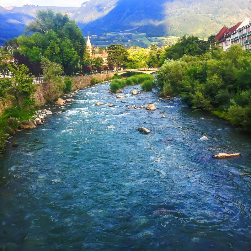 Het Überhol Bergen im schönen Tirol stock fotografie